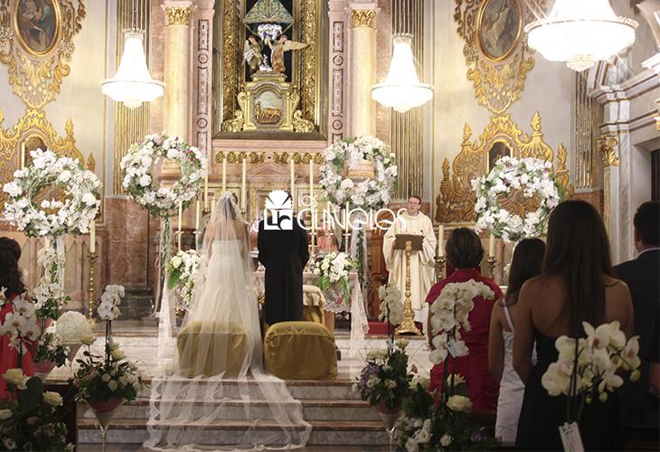 Decoracion altar iglesia - Decoracion floral para bodas ...